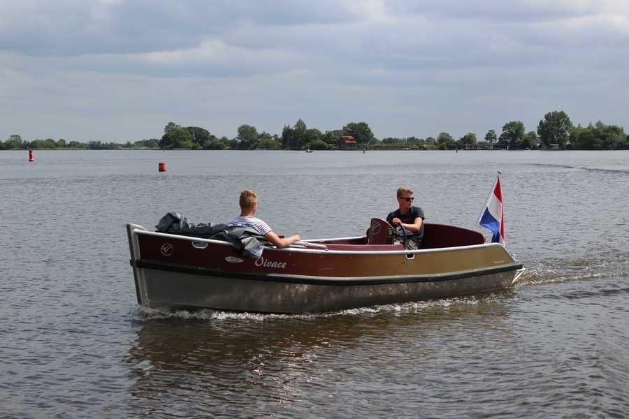 Van Vossen Tender 590 Electro
