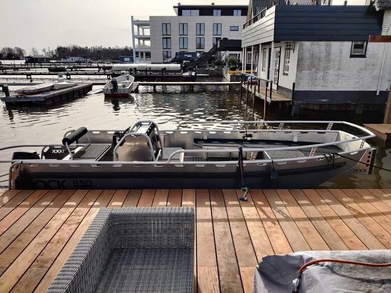 Dock Steel 650